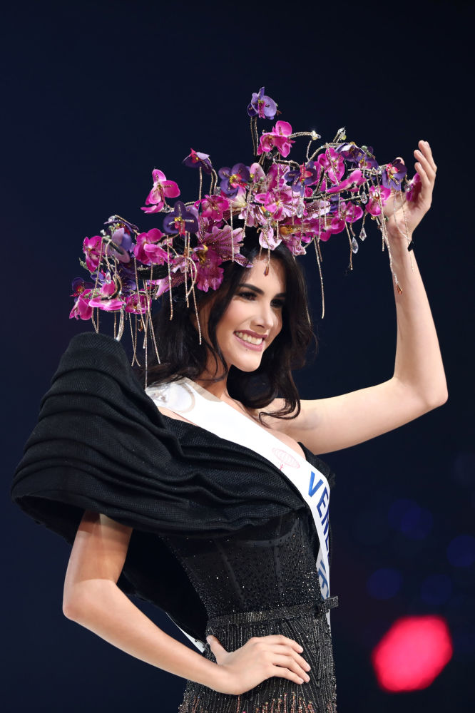 Miss İnternational 2018in qalibi Məryəm Velasko (Venesuela)